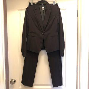 Ann Taylor Pant Suit!
